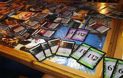 Aunque no lo parezca, ahí están las cartas de Dominion